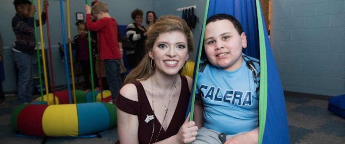 special feature miss alabama contestan isabella powell with brother in Sensory room 3 622x350
