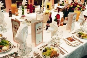 City Scene Seder Meal table Beth Hallel 1200x500 1